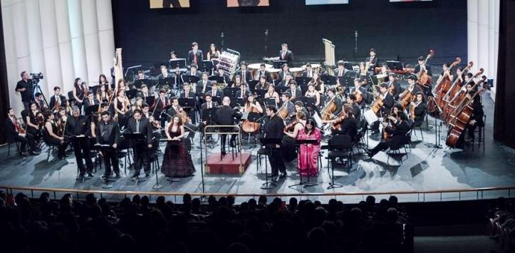 Interpretación de la OSNJ para 'La Bohème', en Teatro de Carabineros, Santiago de Chile.